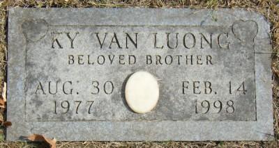 ky-van-luong-gravestone