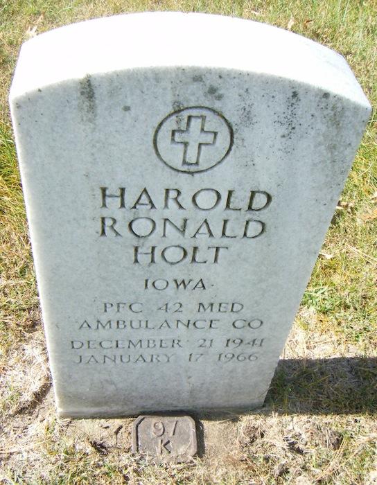 Harold Holt gravestone