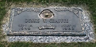 dennis-chaffee-gravestone