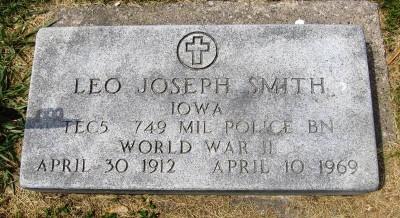 Leo Smith gravestone