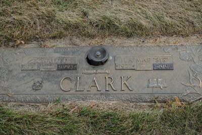 Ila Mae Clark gravestone