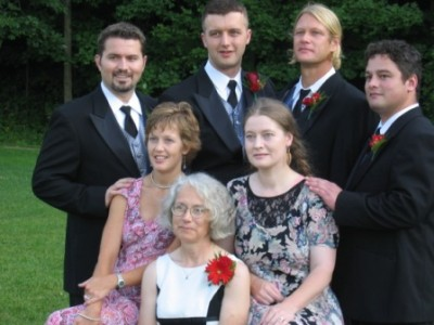 Veronica Lack with 6 kids at Will's wedding